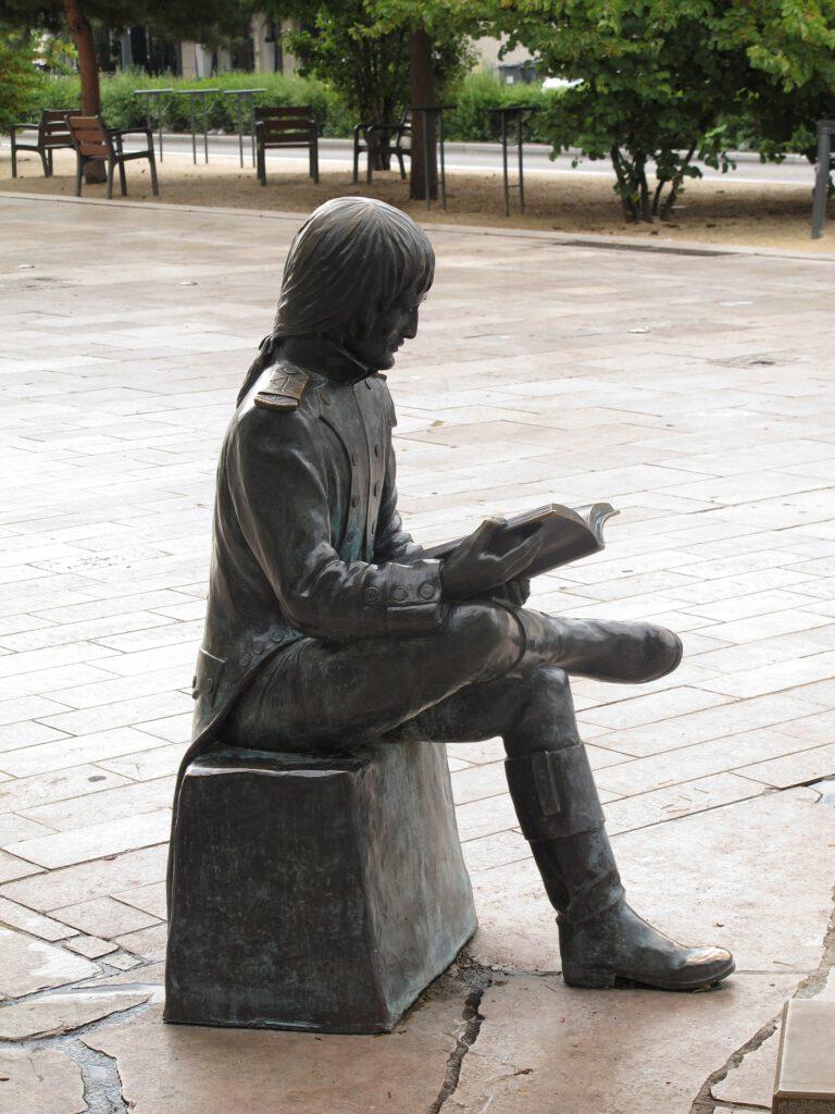 statue-934500_1920