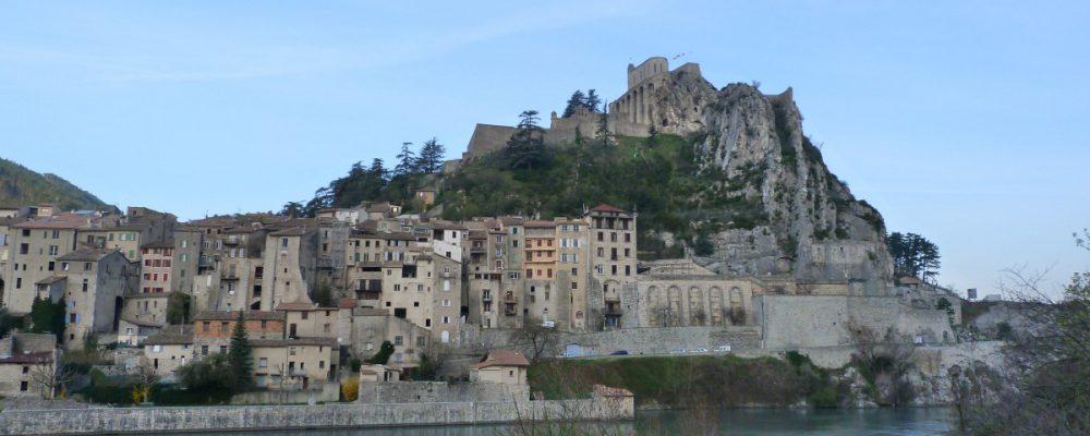 landscape_old_town_citadel_houses_roofing_haute_provence_sisteron-979517.jpg!d